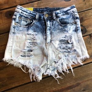 ~Machine~ high waisted jean shorts. Faded hombre